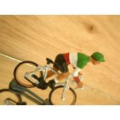 Figurine cycliste : champion d'Italie en danseuse