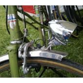 Phare avant LUMOTEC RETRO BUSCH+MULLER pour dynamo de pneu, fixation sur fourche